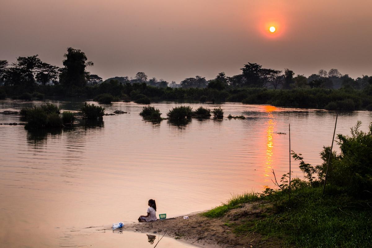 Закат на Меконге, Дон Дет