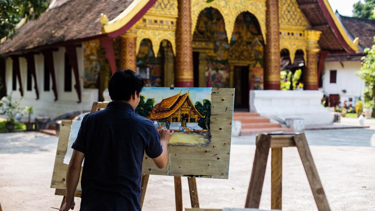 Учитель рисования, храм Ват Ксиен Муан, Луанг Прабанг
