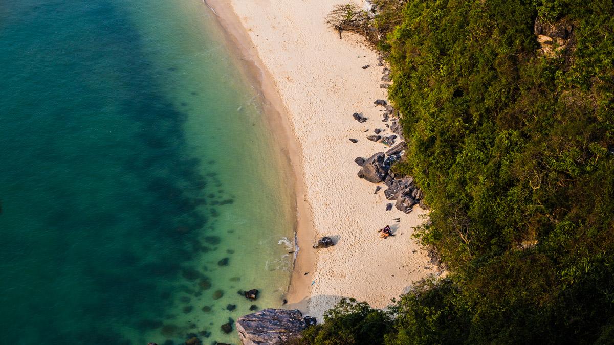 Ile aux singes dans la Baie d'Halong