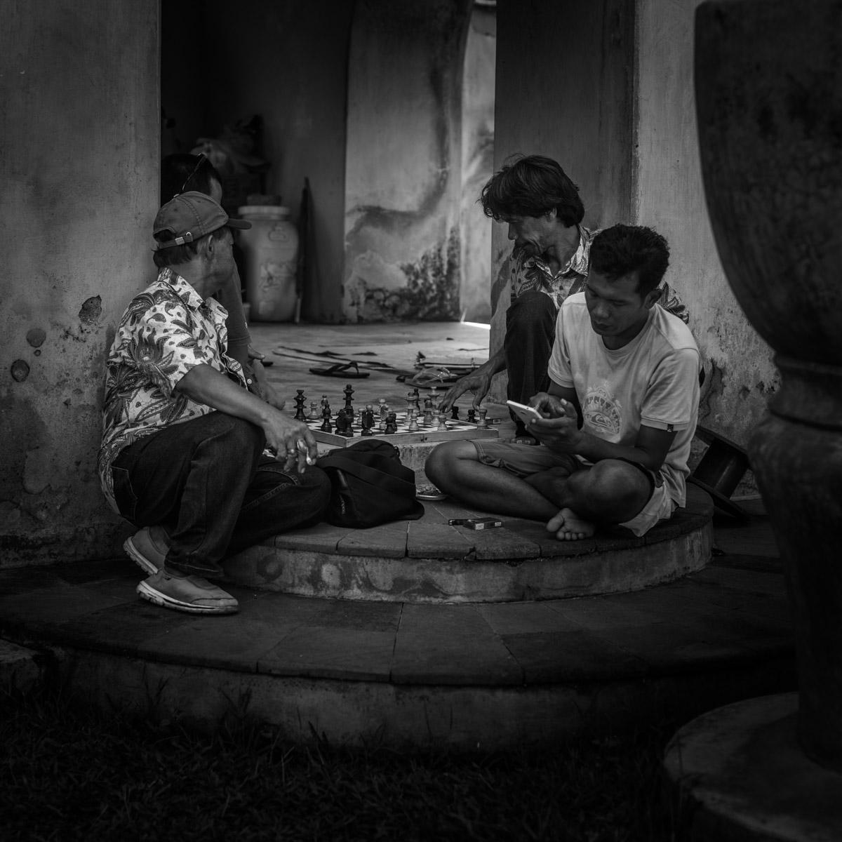 Joueurs d'échecs à Yogyakarta