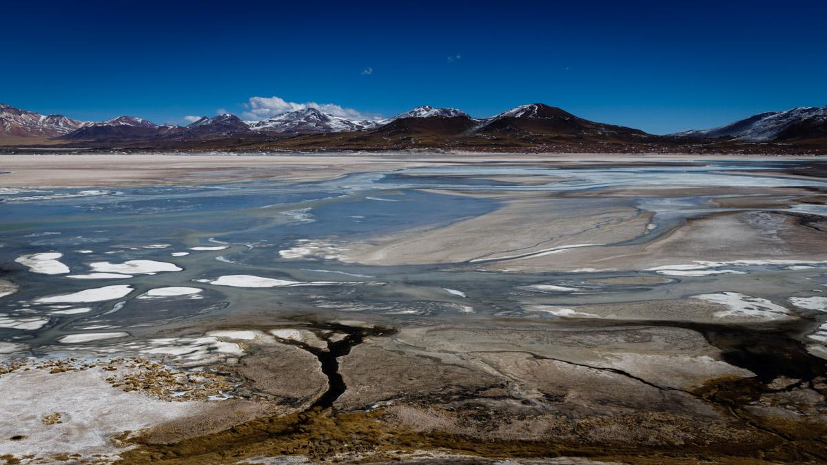 Lagune et désert de sel Piedras Rojas, désert d'Atacama