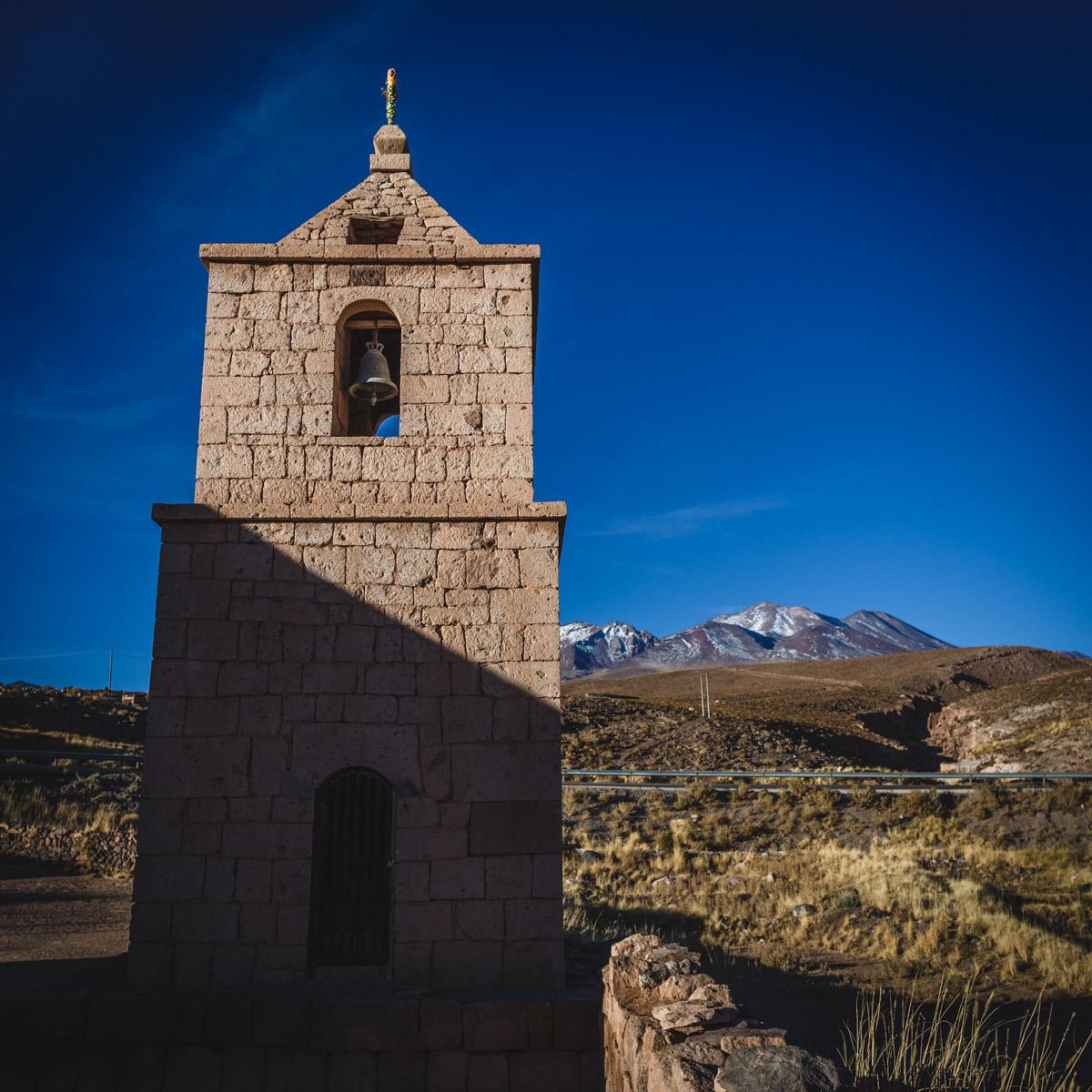Une église dans le désert