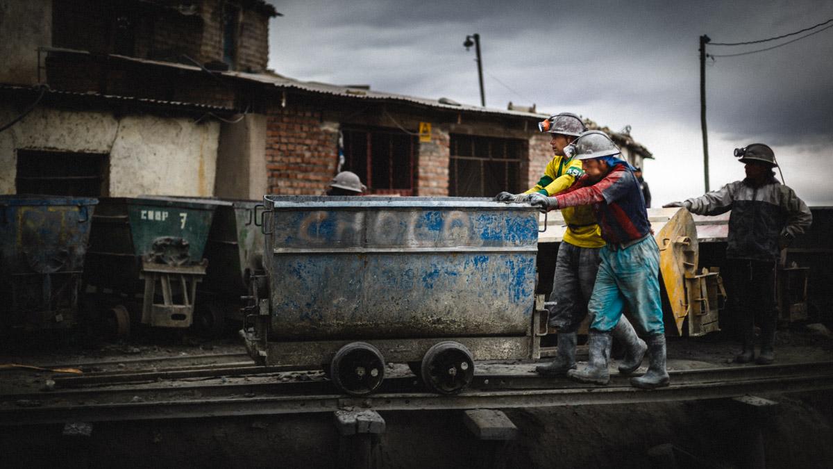 Les mineurs avant de pénétrer dans la mine, Potosi