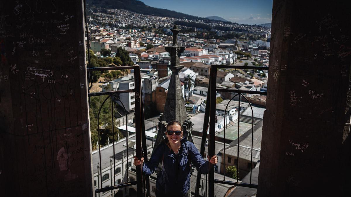 Sur la tour de la Basilique del Voto Nacional, Quito