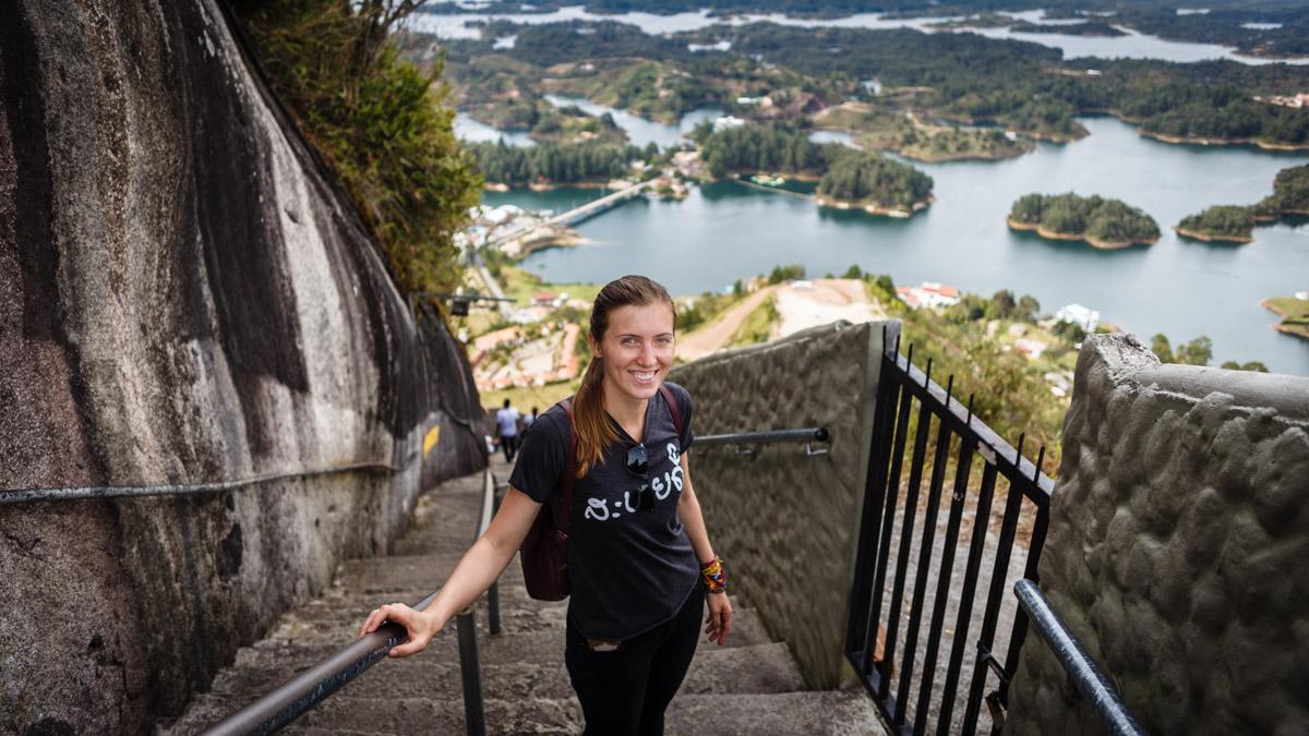 Поднимаемся на скалу Эль Пеньоль, Гуатапе